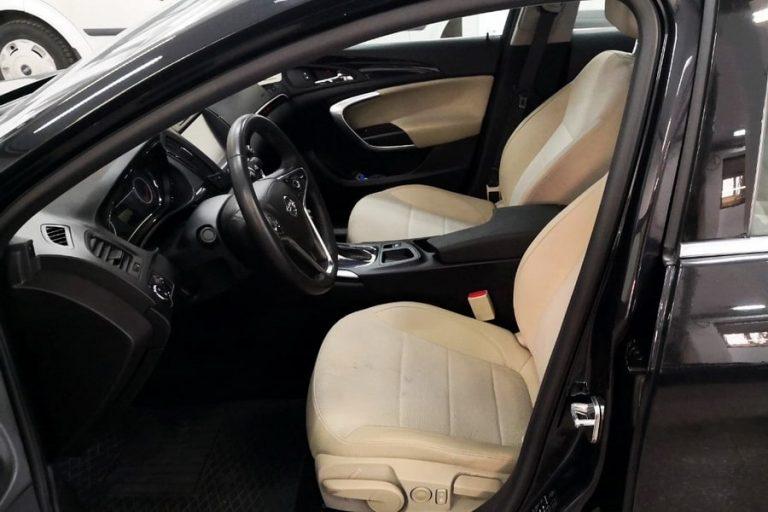 Opel Insignia Rent a car