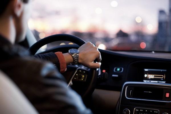 Car rental with chauffeur