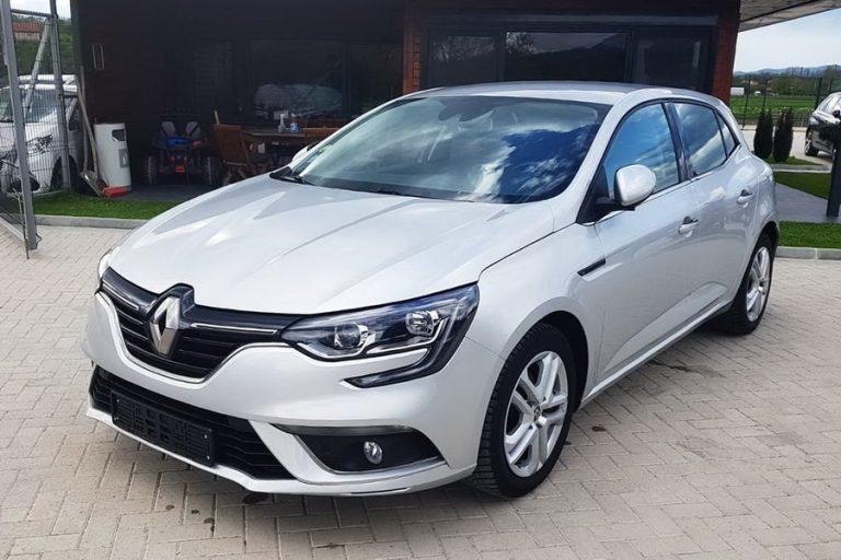 Renault Megane automobil rent a car sivi izgled spolja