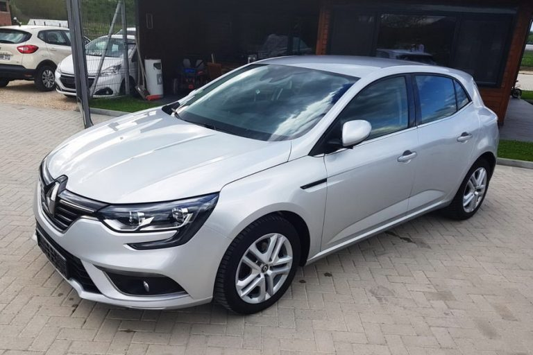 Renault Megane automobil rent a car